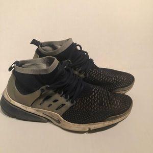 Nike Prestos Ultra size 11
